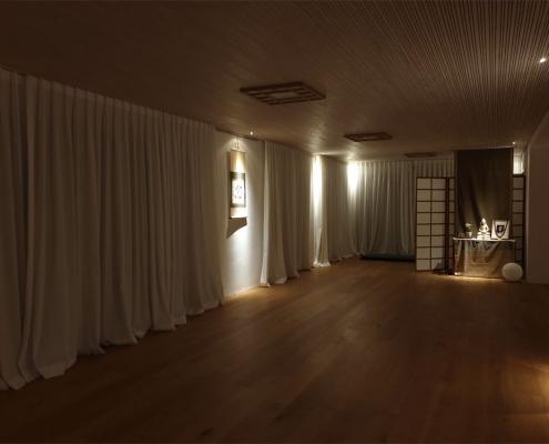 Übungsraum am Abend, Studio für Iyengar Yoga, Neustadt