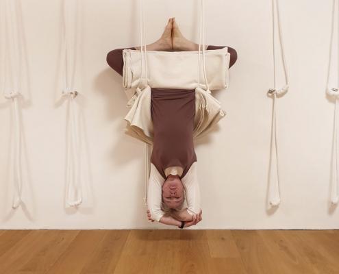 Rope Shirshasana im Studio für Iyengar Yoga, Neustadt