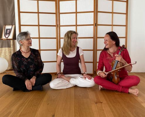 Yoga trifft Klassik - Studio für Iyengar Yoga
